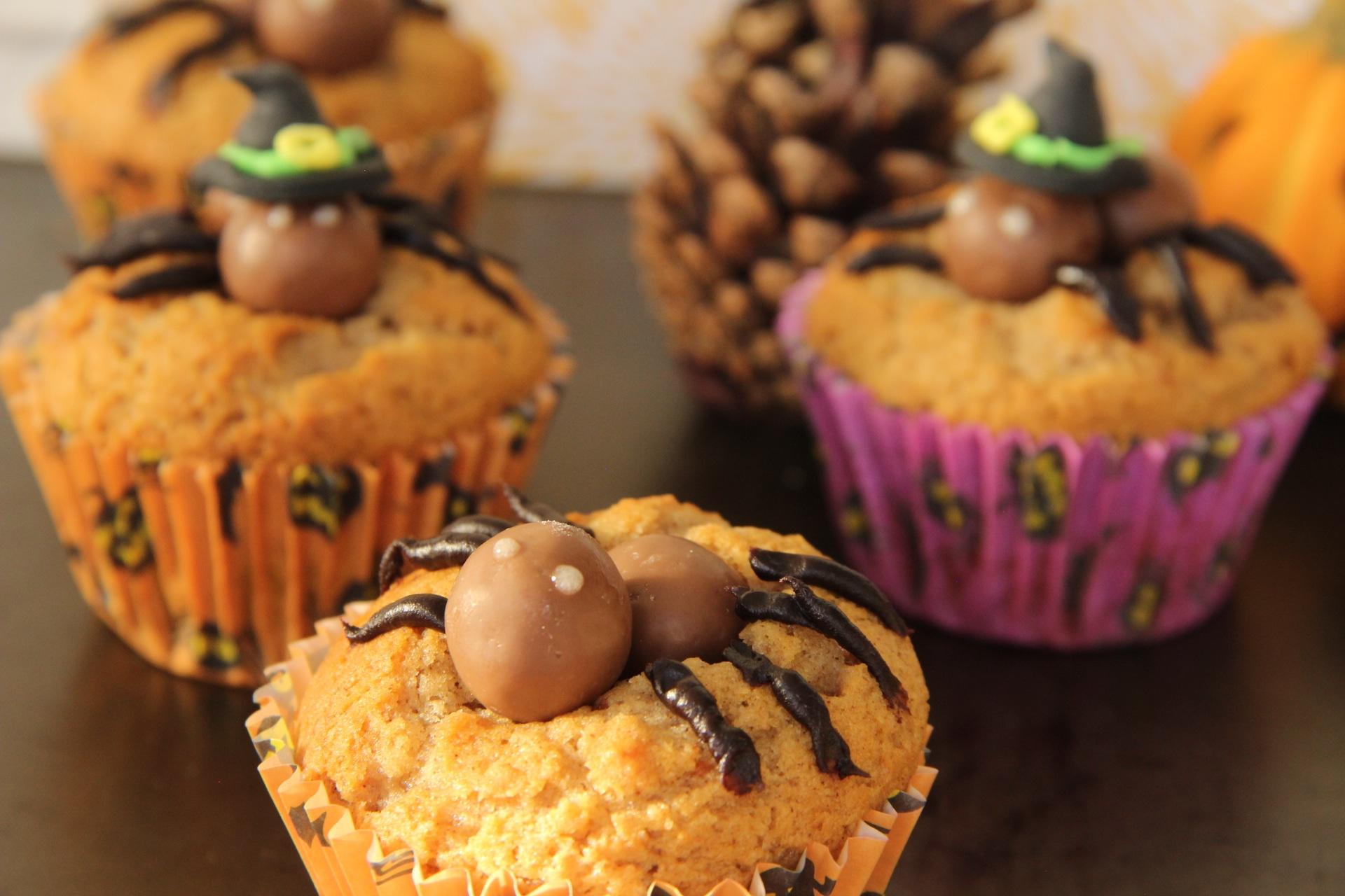 Recette d'Halloween - carrot cupcakes aux araignées Maltersers